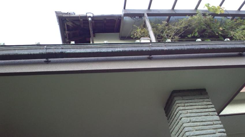玄関屋根ひさし工事施工
