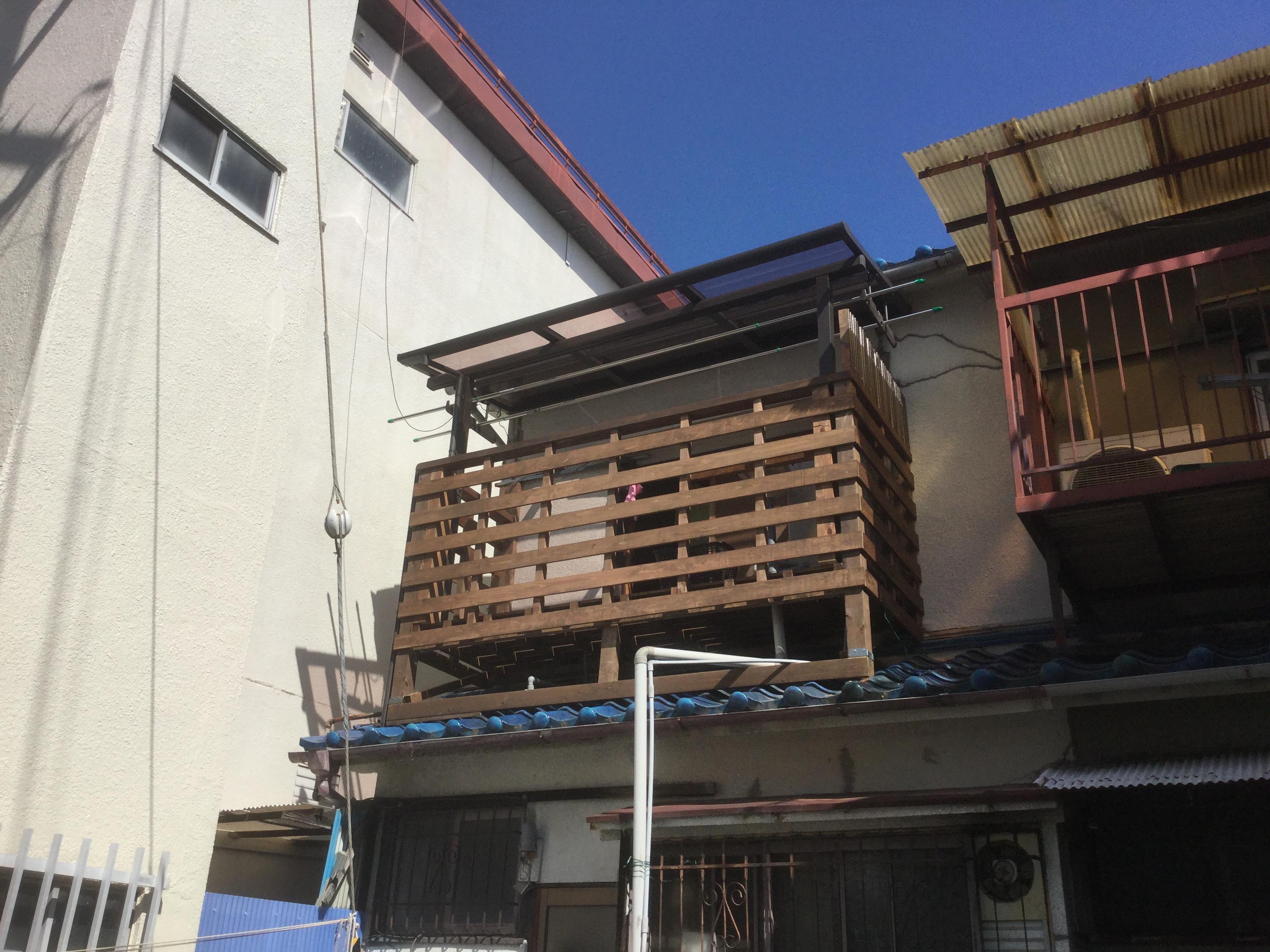 木製バルコニー・屋根材設置工事